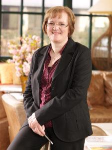 Zu sehen ist Ramona Nimsgern, Verwaltungsleiterin