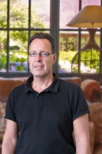 Zu sehen ist Rainer Huebschen, Haustechnik
