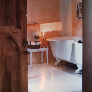 Rustikales Badezimmer im Kerzenschein